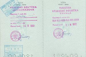 Bez výjazdnej doložky sa človek do zahraničia nedostal. Mohla byť buď trvalá alebo jednorazová. Výjazdná doložka sa vyžadovala aj na cestu do Juhoslávie.