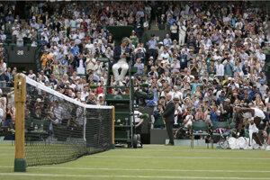 Zápas medzi Cori Gaffovou a Venus Williamsovou - pohľad do publika.