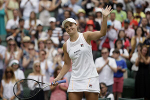 Ashleigh Bartyová na Wimbledone 2019.