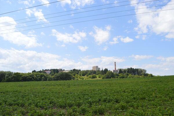 Poslanci schválili kúpu pozemkov pod centrálny mestský park. Lokalita sa nachádza medzi nemocnicou a riekou Sekčov.