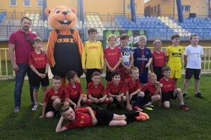 OBI podporuje aj mládežníkov z FK Junior Kanianka.
