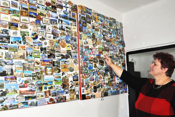 Jana Michaligová sčasťou zo 690 magnetiek.