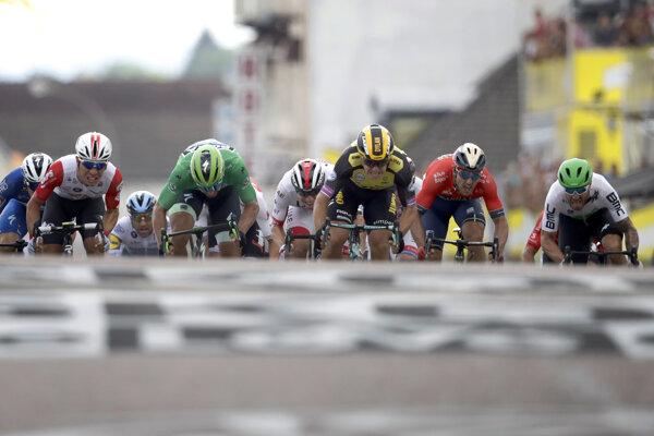 Záverečné metre 7. etapy Tour de France 2019.