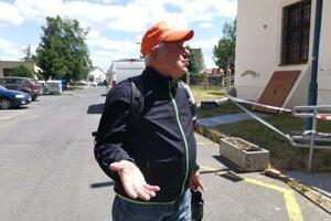 Dôchodca Jozef zo susedstva si pamätá na históriu kaštieľa.