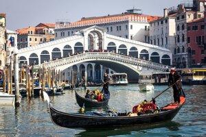 Most Rialto (Most vzdychov), Benátky.