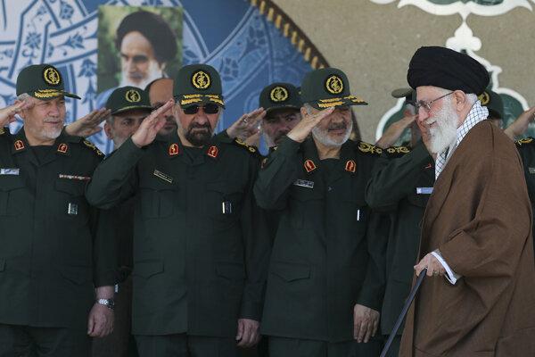 Revolučné gardy spadajú priamo pod ajatolláha Chameneího.