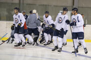 Hokejisti Slovana na úvodnom tréningu novej sezóny.