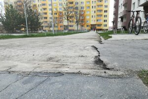 Ulica S. Jurkoviča v Senici, foto: ilustračná