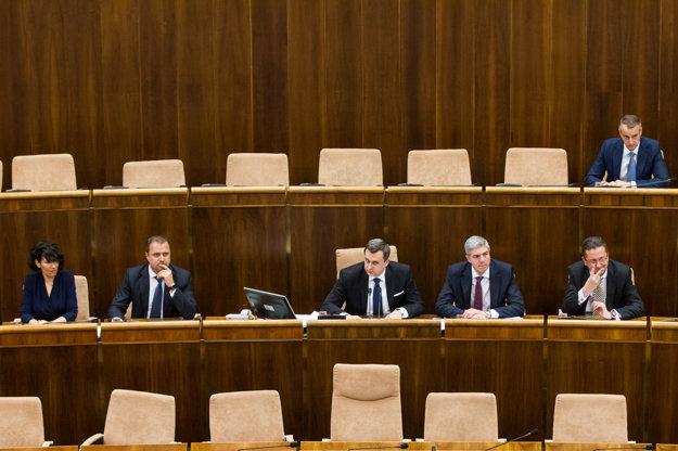 Glváč, Bugár, Hrnčiar a Nicholsonová sa stali podpredsedami.