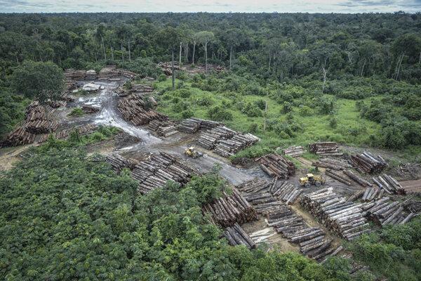Nelegálna ťažba ničí Amazonský prales.