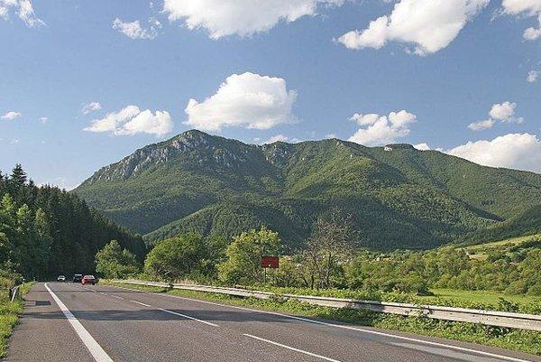 Cestu na vyhliadkový vrch Šíp chcú v Stankovanoch ešte viac zatraktívniť.