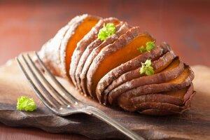 Dennú dávku vitamínu A poskytne aj sto gramov varených sladkých zemiakov.