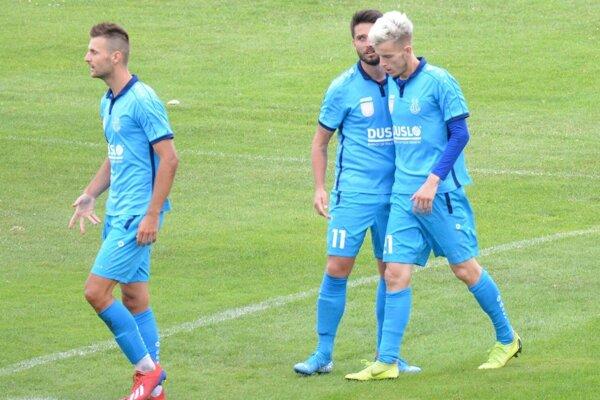 Vpravo strelec jediného gólu Renáto Meszlényi.