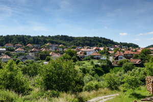 Obec Skýcov v Zlatomoravskom okrese je dedinou, ktorá naozaj povstala z popola.