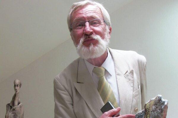 Umelec Peter Krupa.