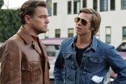 Leonardo DiCaprio a Brad Pitt vo filme Vtedy v Hollywoode od Quentina Tarantina.