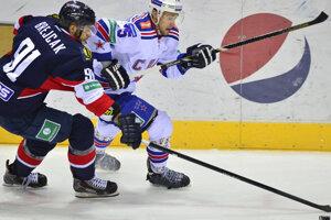 Obranca Ján Brejčák má skúsenosti z ruskej, českej, švajčiarskej, švédskej a fínskej ligy.