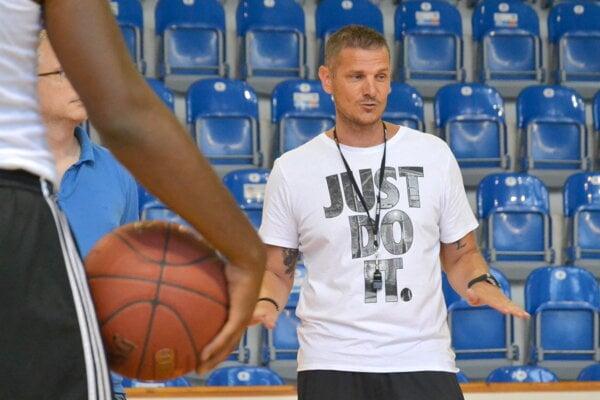 Tréner Peter Jankovič.