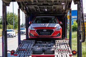 Nový Hyundai po dodaní z fabriky k predajcovi.