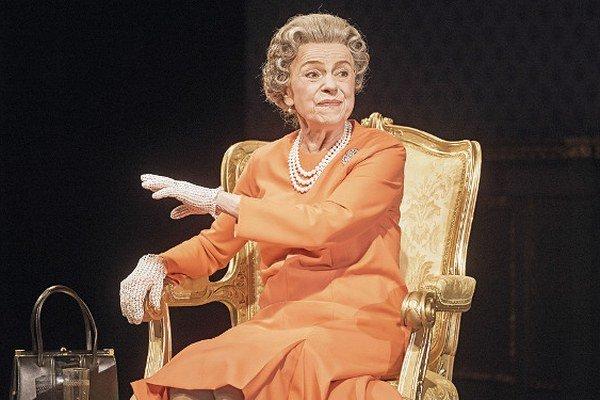 Iva Janžurová ako kráľovná Alžbeta