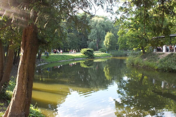 Idylické prostredie historického parku v Trebišove cez víkend ožije.