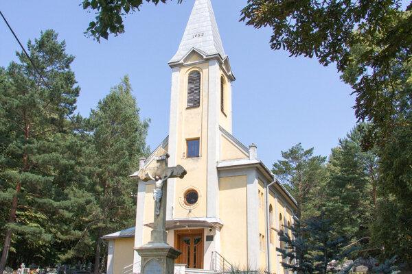 Pri Kostole svätého Vavrinca v Lorinčíku by mohlo vzniknúť nové kolumbárium s 80 až 120 urnovými miestami.