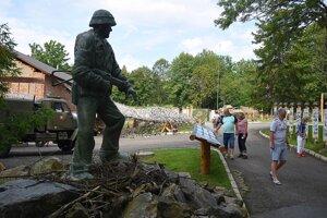 Socha amerického vojaka slovenského pôvodu Michala Strenka.