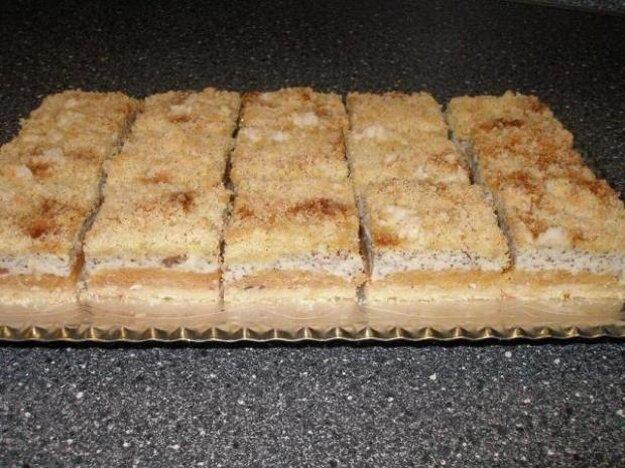 Jablkový koláč s tvarohom a makom