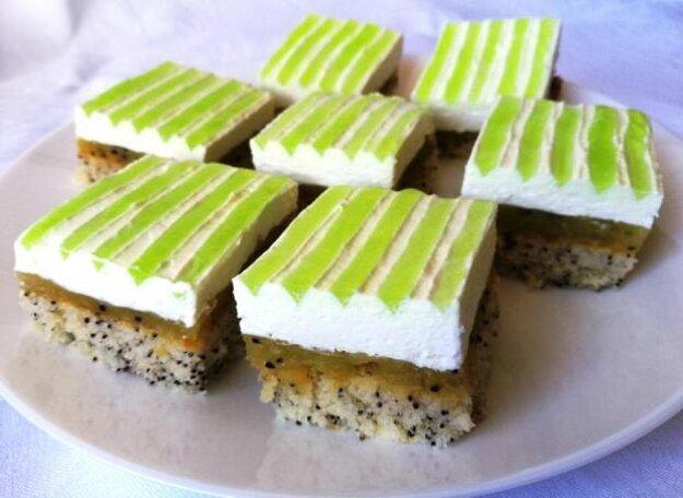 Smotanový kiwi koláč
