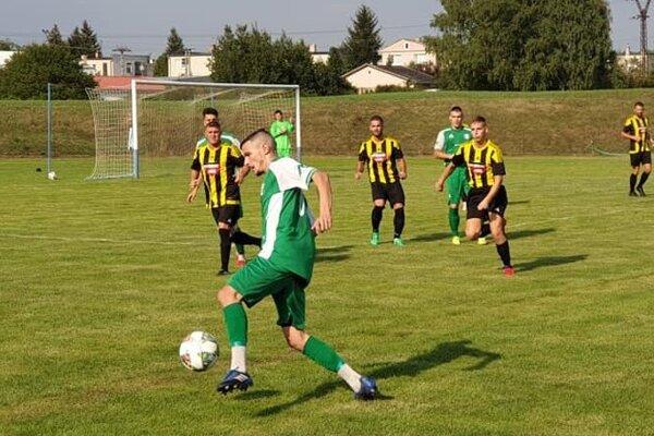 Slovan Šahy si na svoje konto pripísal už tretie víťazstvo a len o jediný bod zaostáva za vedúcou Okoličnou.