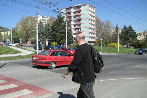 Priechody sa nemuseli rušiť ani na problémovom Kyjevskom námestí.