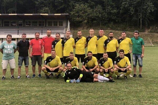 Za mužstvo Zádubnia vtejto sezóne nastupujú aj hráči zAkadémie Juventus Žilina.