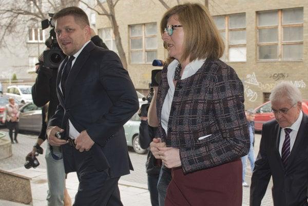 Premiér Robert Fico ministerka pôdohospodárstva Gabriela Matečná