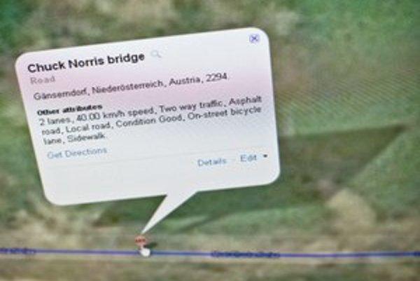 Na mapách Google už Chuck Norris nie je, zostala po ňom stopa v Map Makeri.