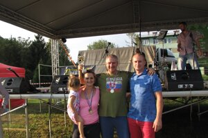Celkovým víťazom v streľbe zo vzduchovky sa stal Pavol Šmelko (v strede)