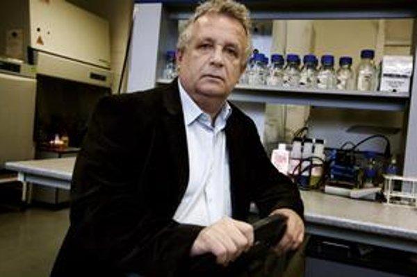 Prof. RNDr. Jaromír Pastorek, DrSc. (1957) je predseda SAV. Predtým bol riaditeľom Virologického ústavu SAV. Publikoval v medzinárodných časopisoch, objavil gén kódujúci nádorovo-asociovaný proteín CA IX, ktorý slúži ako marker hypoxických nádorov. Je
