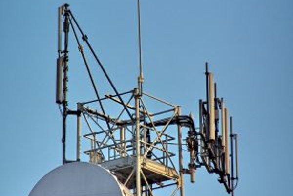 Starý signál bude na väčšine Slovenska vypnutý koncom budúceho roka, definitívne koniec analógového vysielania je však plánovaný až na koniec roka 2012.