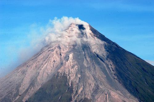 sopka-filipiny3_tasrap.jpg
