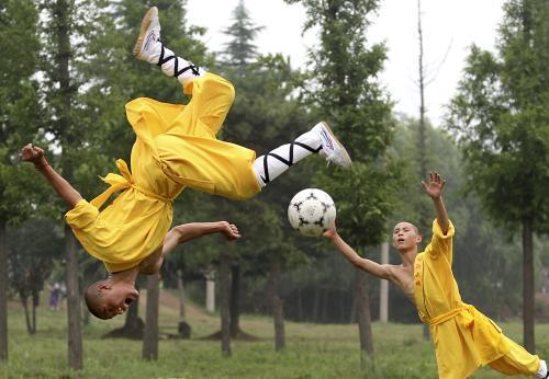 kungfu_futbal.1.ap.jpg
