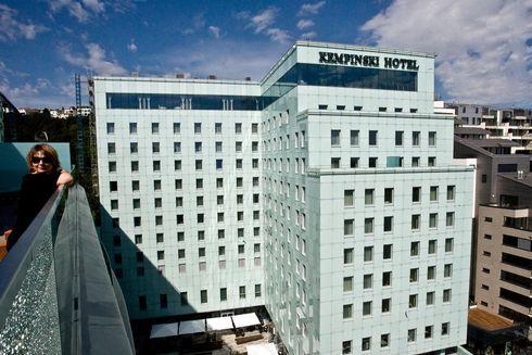 ba-0827-004f-hotel.rw_res.jpg