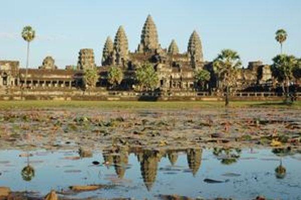 Slávny Angkor Vat postavili Khméri.