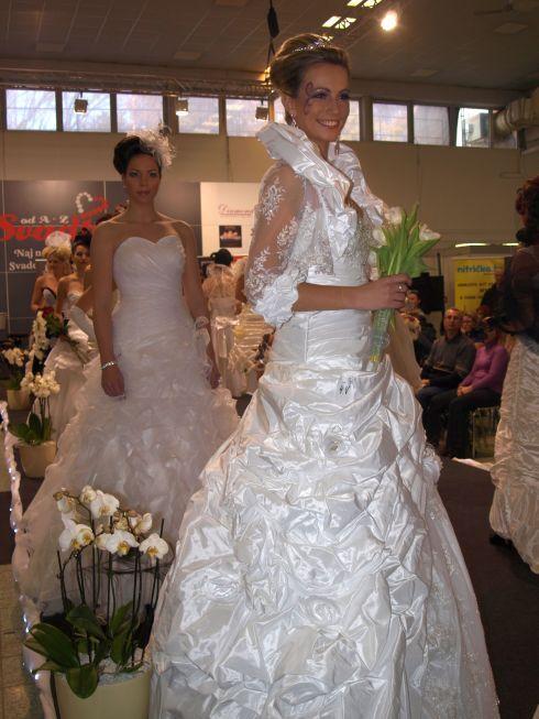 zápas tvorby nevesty a ženícha