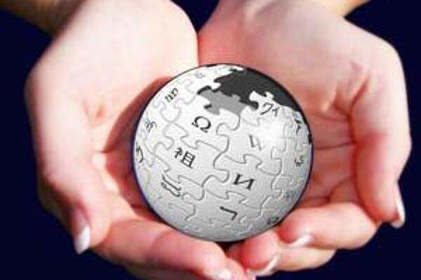 Wikipédia chce po novom svoje články pevnejšie držať vo svojich rukách.