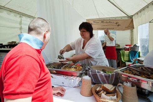 foodfestival2_res.jpg