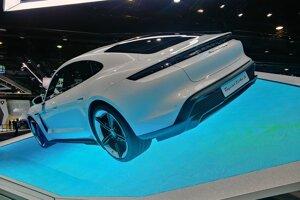 Autosalón Frankfurt 2019 - Porsche Taycan Turbo S