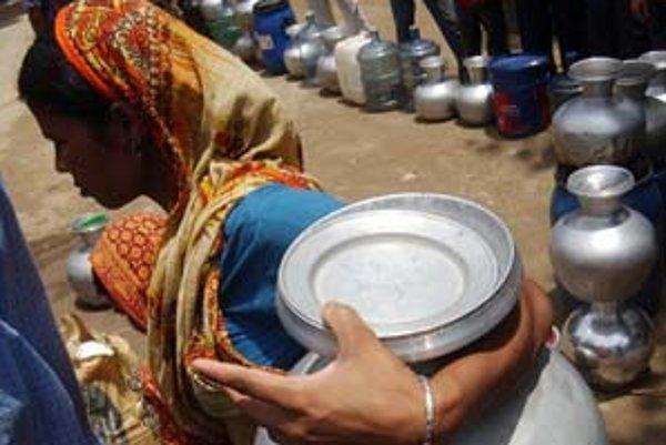 Prázdne nádoby na vodu môžu byť dôvodom na vojnu.