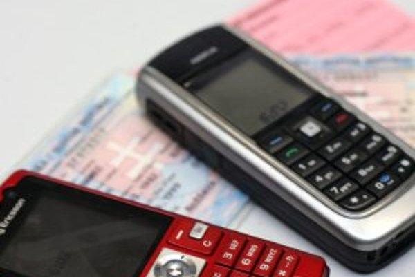 Občiansky preukaz potrebujete pri kúpe SIM karty u Orangeu a TMobilu, nie u O2. Zákon si vykladajú inak.