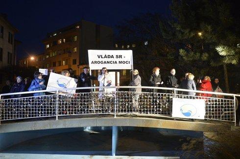 protest5_tasr_res.jpg