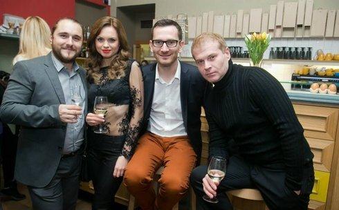 sakmarova-a-chlapi_res.jpg