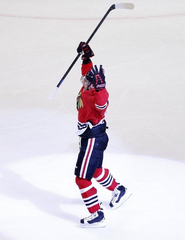 ducks_blackhawks_hockey-cba5d2c28f454397_r506_res.jpeg